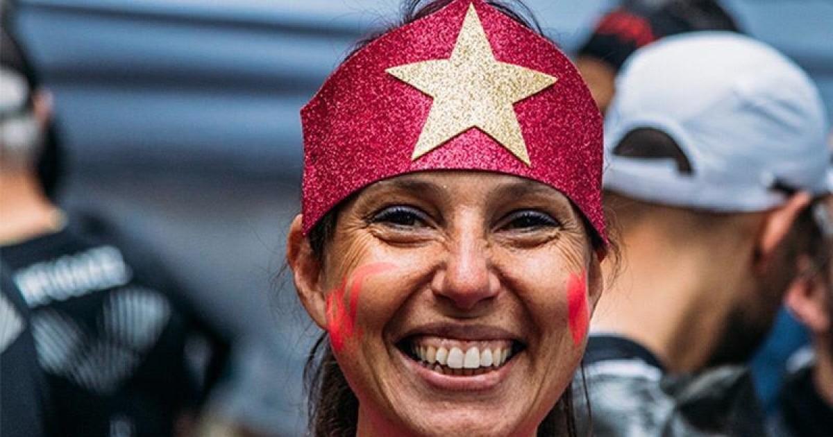 Issiamo la bandiera fucsia e partiamo!-Yuri Faccetti