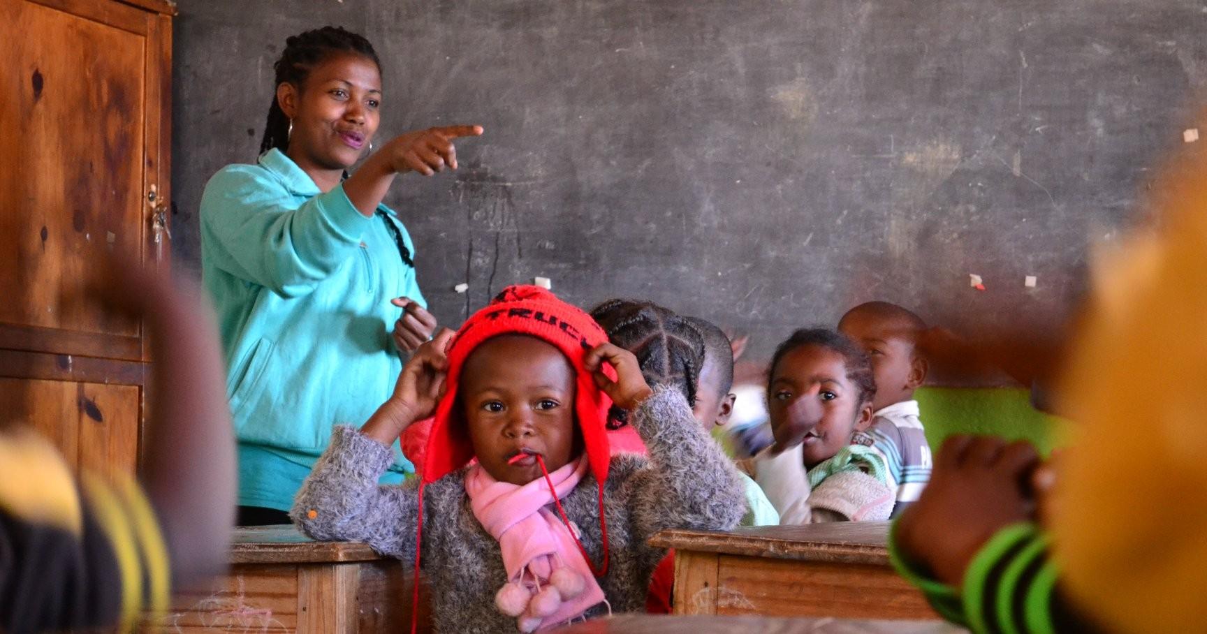 SEMINIAMO EDUCAZIONE NUTRIAMO IL  FUTURO-Educatori senza Frontiere