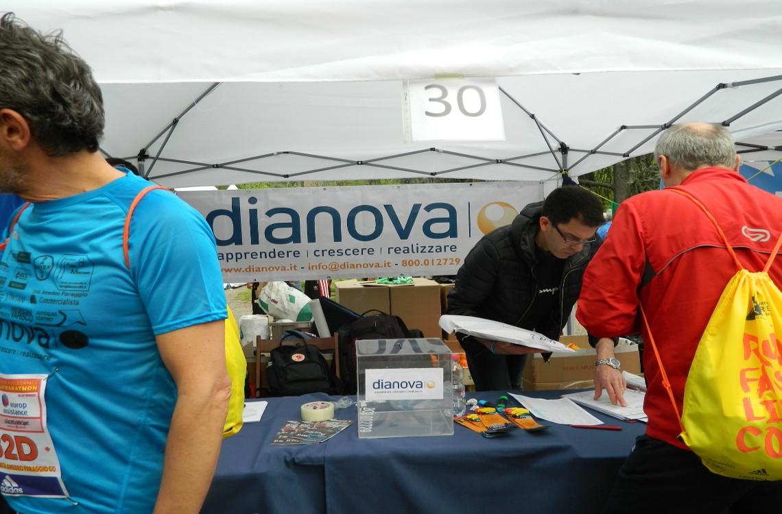 Il gazebo di Dianova al Charity Village