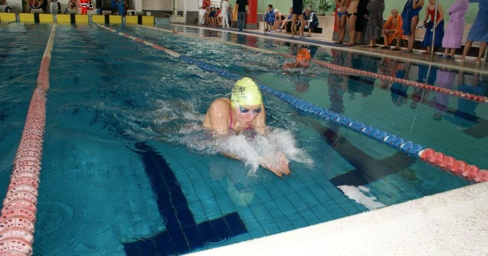 Sollevatore piscina per persone disabili-AccessEmotion